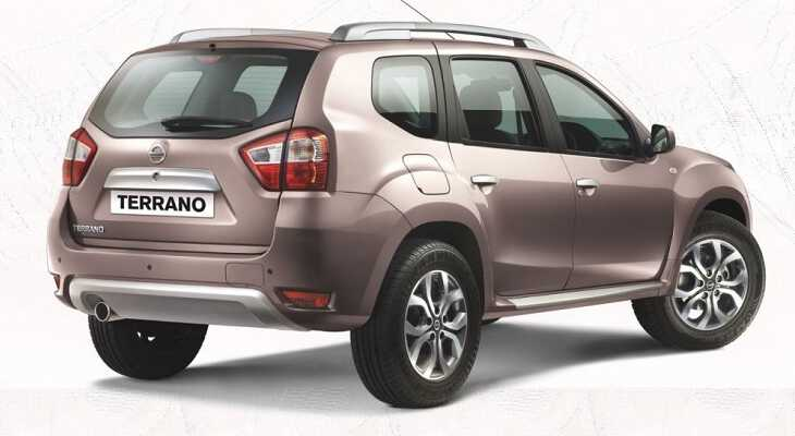 боковой вид Nissan Terrano