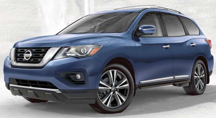 фронтальный вид Nissan Pathfinder 2017 года после рестайлинга