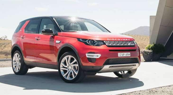 новый Land Rover Discovery 2017 года в красном цвете